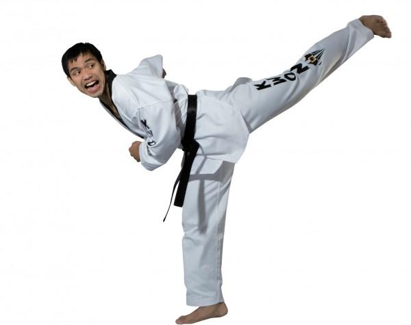 Taekwondo Anzug Starfighter mit Schriftzug groß